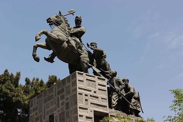 آرامگاه نادر شاه و موزه نادری